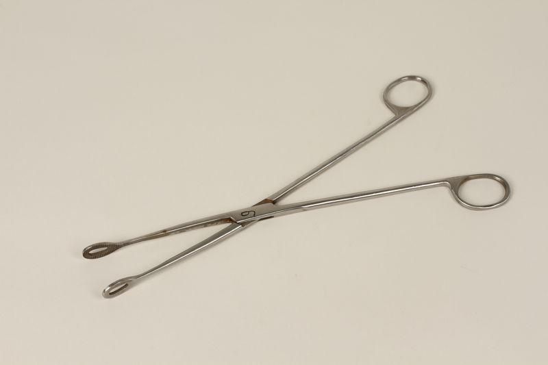2000.242.24 front Medical instrument