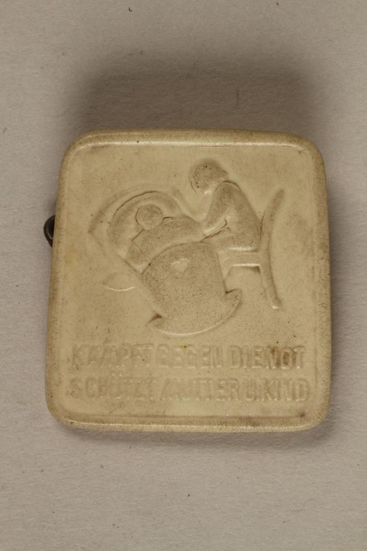 2000.330.1 front Pin