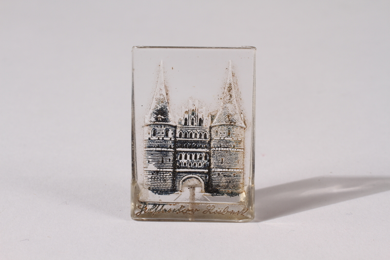 2014.480.65 front Glass piece depicting the Holsten gate in Lubeck