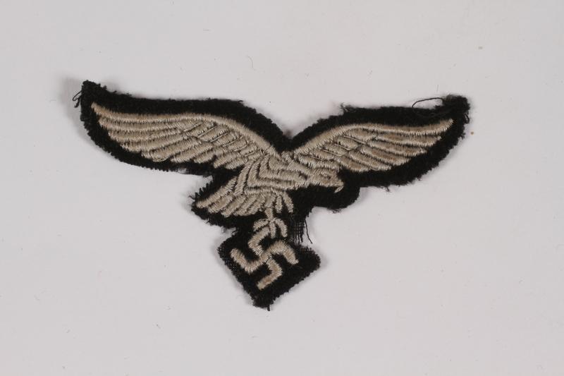 2014.480.74 front Luftwaffe eagle emblem