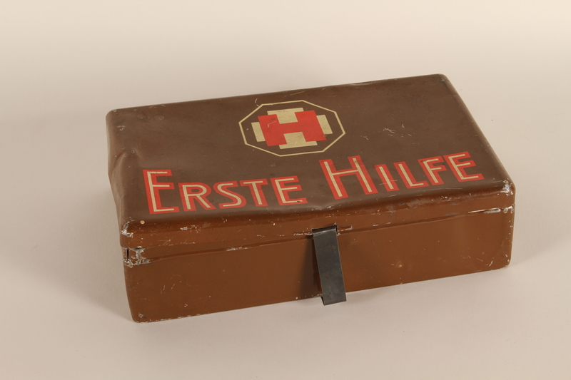 1990.167.57 closed First aid kit box