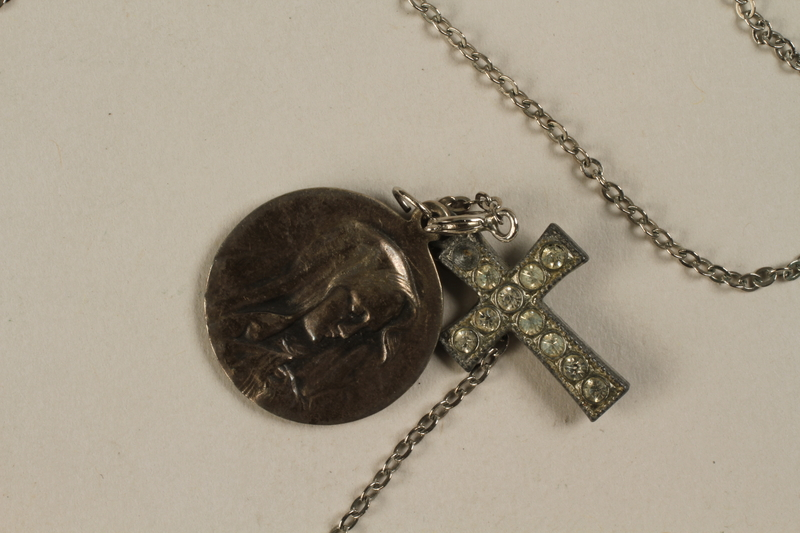 1990.210.2 front Necklace with two pendants, a cross and the Virgin Mary