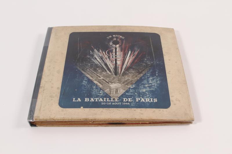 1999.45.2.1-.5 front Un Micro Dans La Bataille De Paris - 20-26 Août 1944