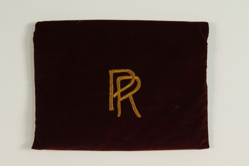 1990.223.1.1 front Monogrammed tallit pouch brought with a German Jewish refugee