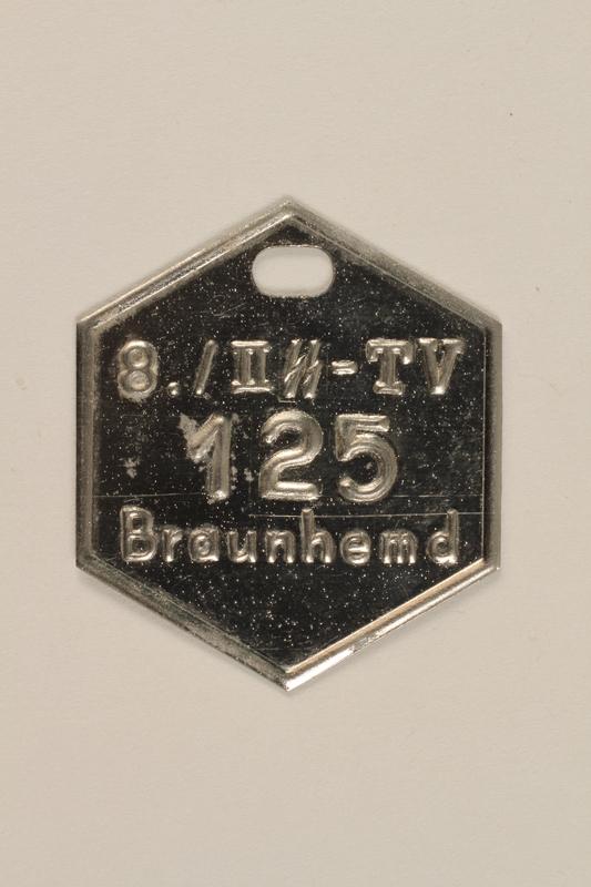 2000.267.13 front SA Braunhemd badge