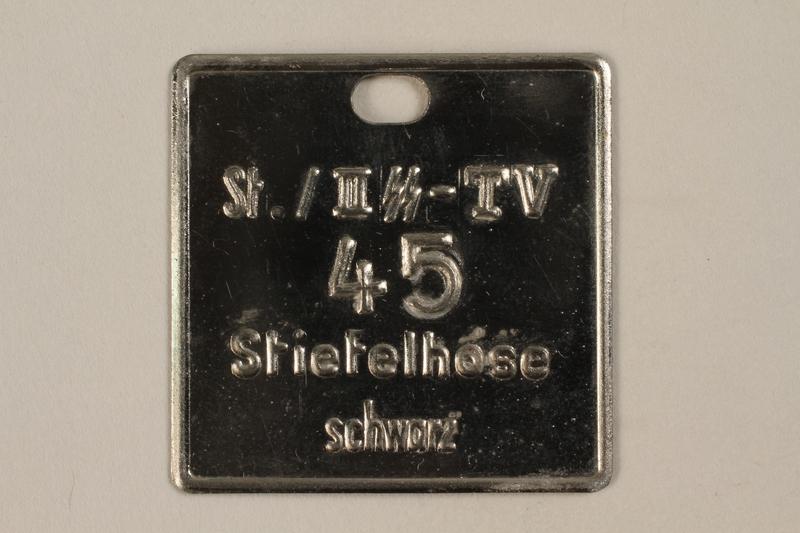 2000.267.14 front SA Braunhemd badge