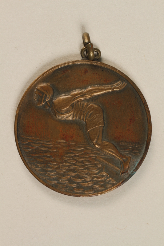 1990.245.5 front Diving medal owned by a Hungarian Jewish family