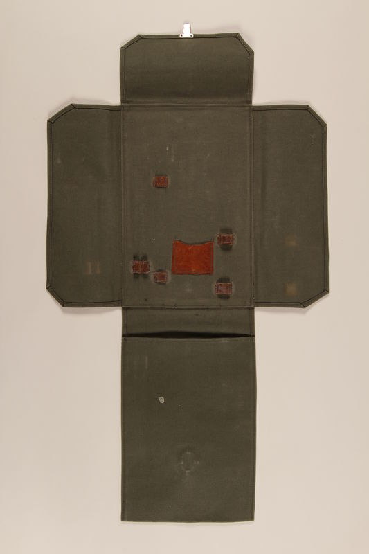 1990.272.1 open Medical bag used to hold anthropological instruments