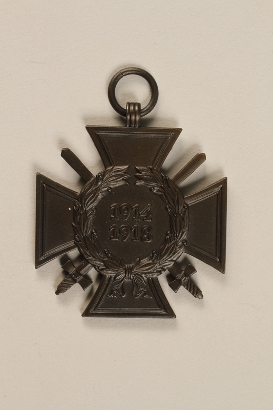 1990.283.2 front World War I Iron Cross medal awarded to a Jewish veteran for bravery