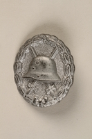 1990.283.4 front World War I medal awarded to a Jewish veteran for bravery  Click to enlarge