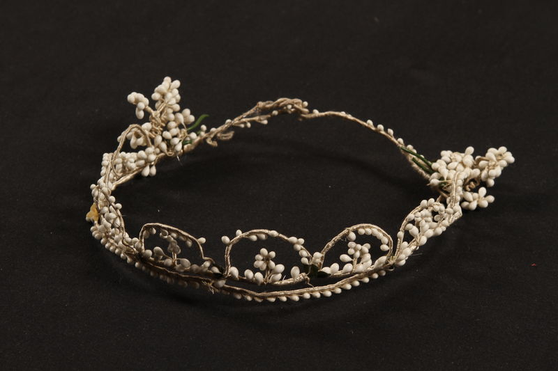 2007.468.3 front Tiara worn by a Jewish woman at her wedding in prewar Budapest