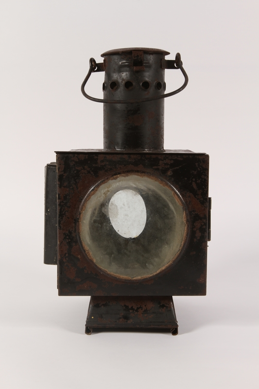 1990.291.2 front Railroad signal lantern with a reflector from Sobibor railroad station