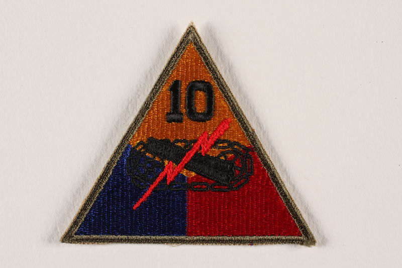 2004.749.2 front US Army 10th Armored Division shoulder sleeve patch with tank, gun, and red lightning bolt
