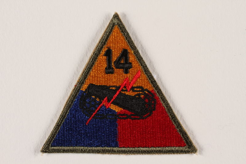 2004.749 front US Army 14th Armored Division shoulder sleeve patch with tank and red lightning bolt