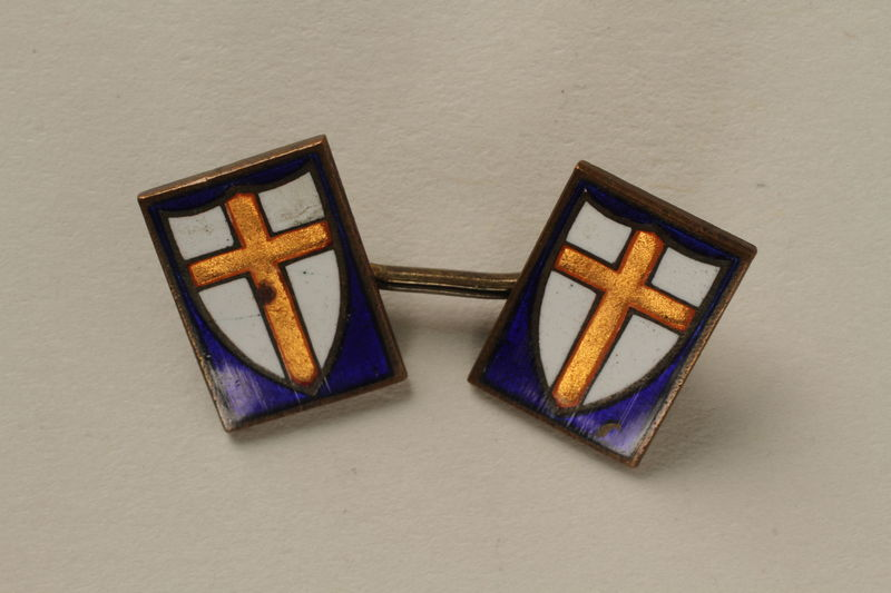2008.208.2_b front Set of two cuff links worn by a medical officer, 2nd Polish Corps