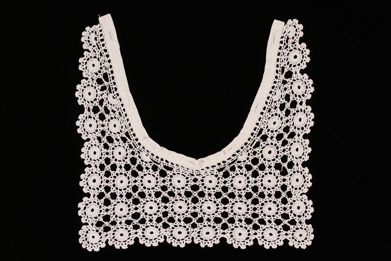 2009.117.5_ front Woman's white crocheted dress collar brought with a Polish Jewish emigre