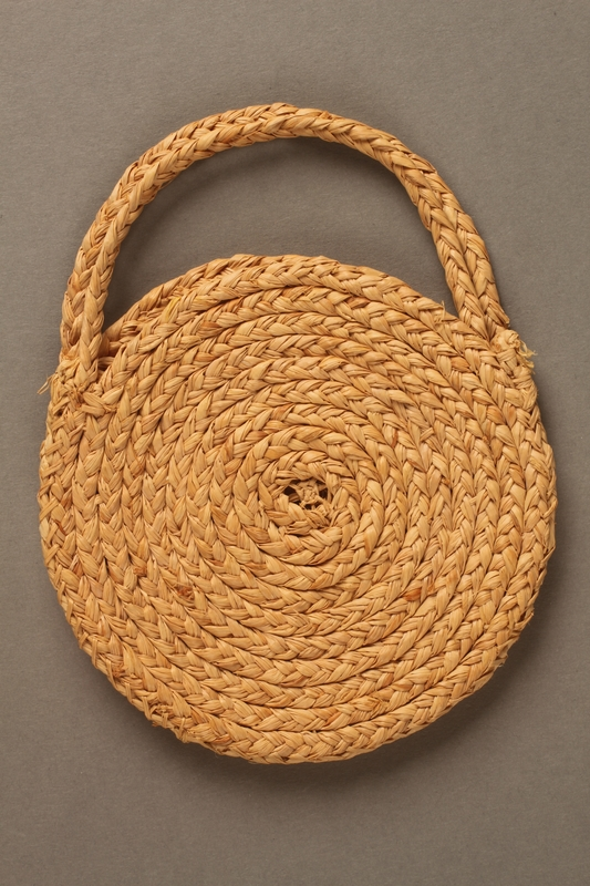 1990.34.1 side A Purse made while interned in Gurs concentration camp