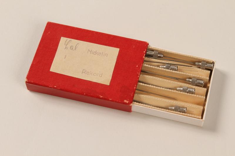 1990.36.14 open Needle