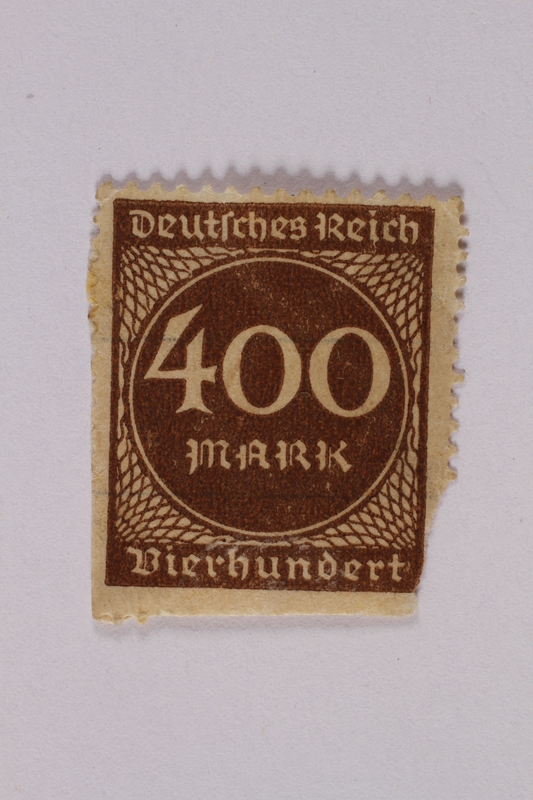 2006.265.28 front Postage stamp, 400 mark, issued in Germany during hyperinflation in the Weimar Republic