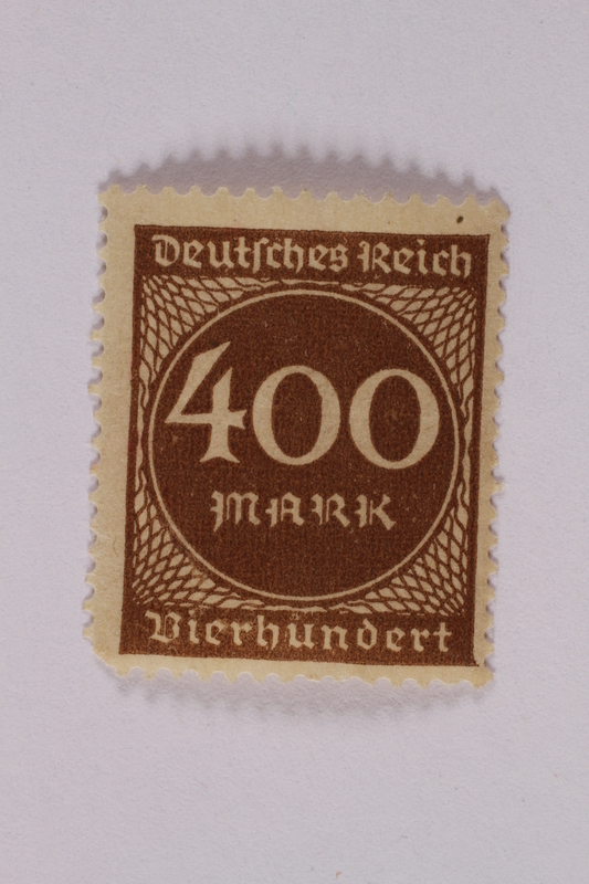 2006.265.30 front Postage stamp, 400 mark, issued in Germany during hyperinflation in the Weimar Republic