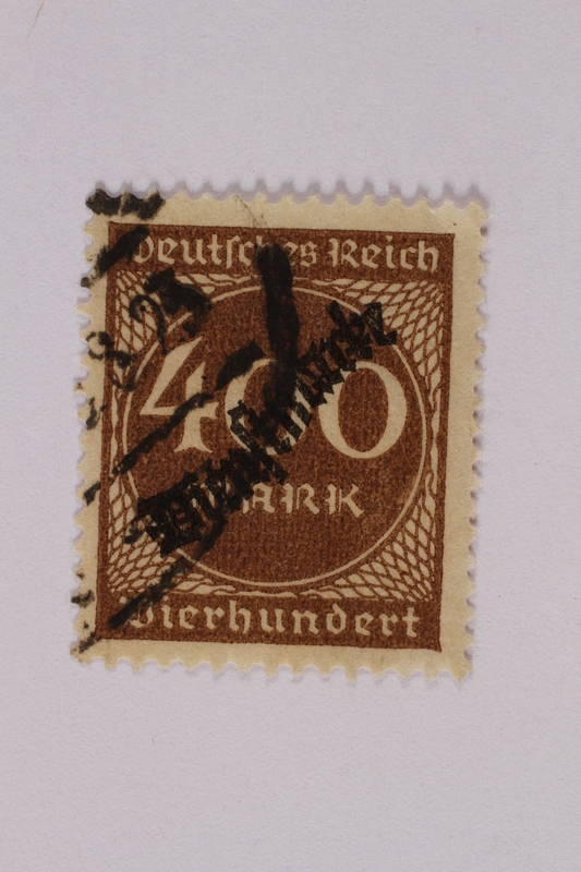 2006.265.31 front Postage stamp, 400 mark, issued in Germany during hyperinflation in the Weimar Republic