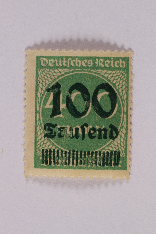 2006.265.37 front Postage stamp, 400 mark, issued in Germany during hyperinflation in the Weimar Republic