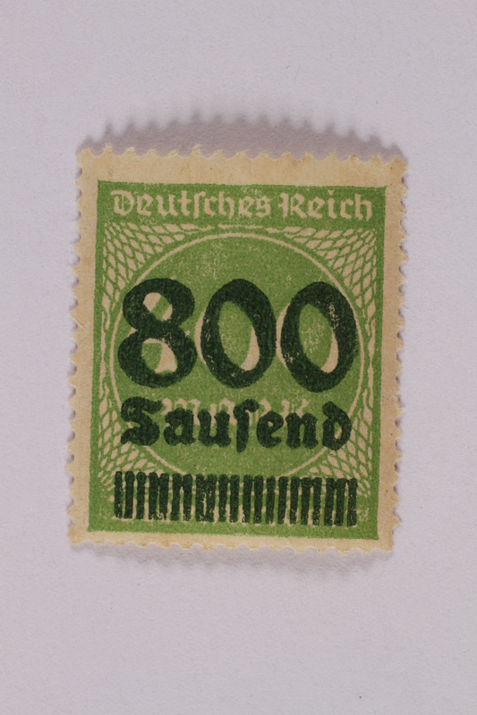 2006.265.38 front Postage stamp, 400 mark, issued in Germany during hyperinflation in the Weimar Republic