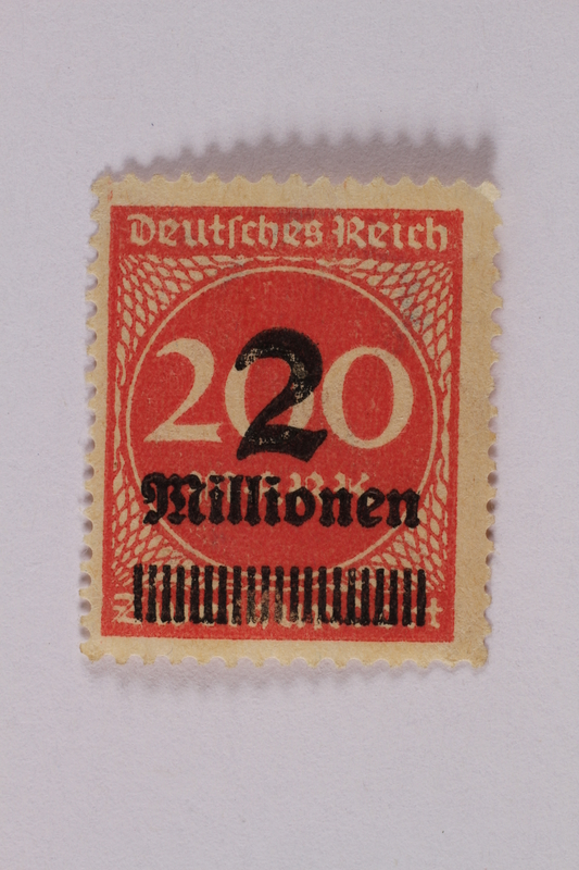 2006.265.56 front Postage stamp, 200 mark, issued in Germany during hyperinflation in the Weimar Republic