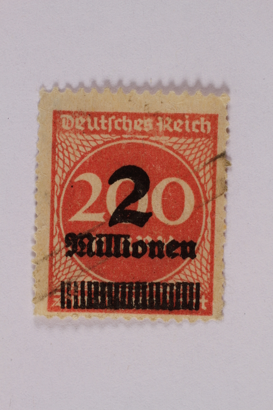 2006.265.57 front Postage stamp, 200 mark, issued in Germany during hyperinflation in the Weimar Republic