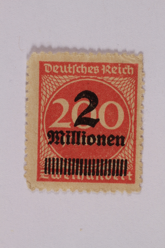 2006.265.58 front Postage stamp, 200 mark, issued in Germany during hyperinflation in the Weimar Republic