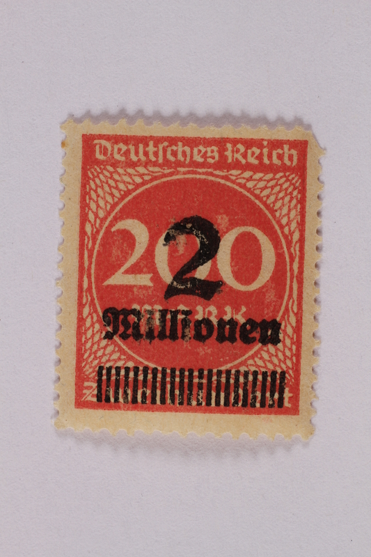 2006.265.59 front Postage stamp, 200 mark, issued in Germany during hyperinflation in the Weimar Republic