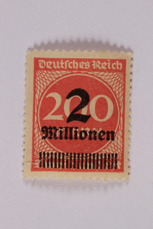 2006.265.60 front Postage stamp, 200 mark, issued in Germany during hyperinflation in the Weimar Republic