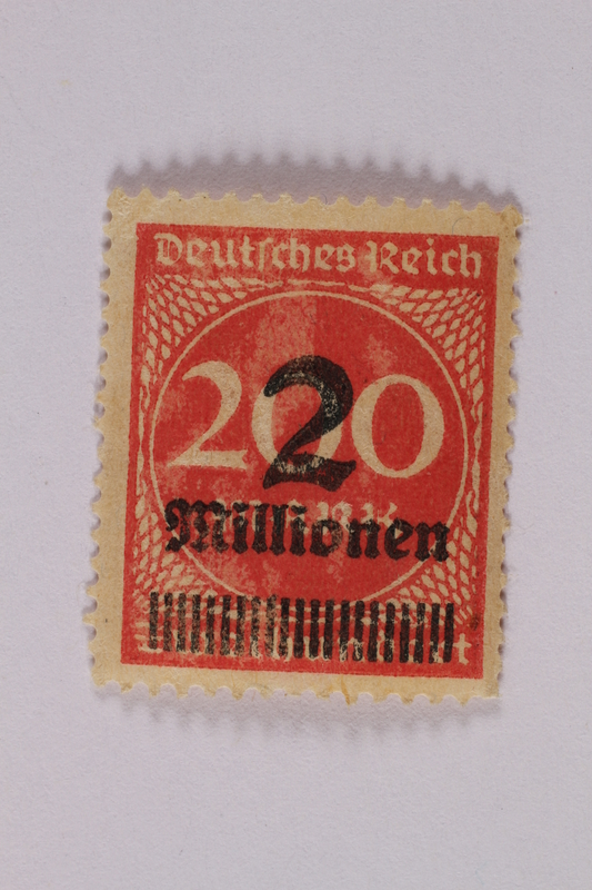 2006.265.61 front Postage stamp, 200 mark, issued in Germany during hyperinflation in the Weimar Republic