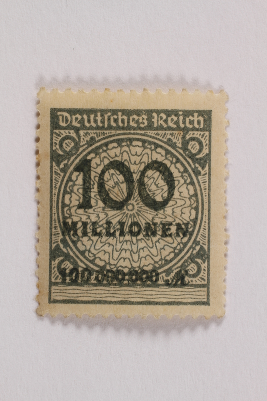 2006.265.71 front Postage stamp, 100 mark, issued in Germany during hyperinflation in the Weimar Republic