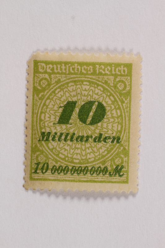 2006.265.138 front Postage stamp, 10 milliarden mark, issued in Germany during hyperinflation in the Weimar Republic