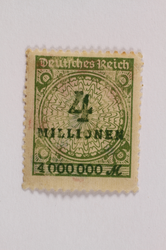 2006.265.152 front Postage stamp, 4 millionen mark, issued in Germany during hyperinflation in the Weimar Republic