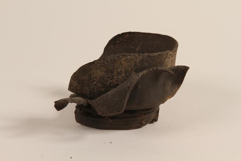 1990.37.17 front Shoe fragment