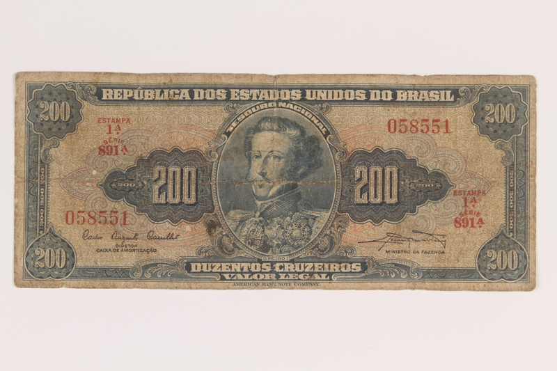 2009.263.32 front Brazil currency note, 200 cruzeiros, issued postwar.