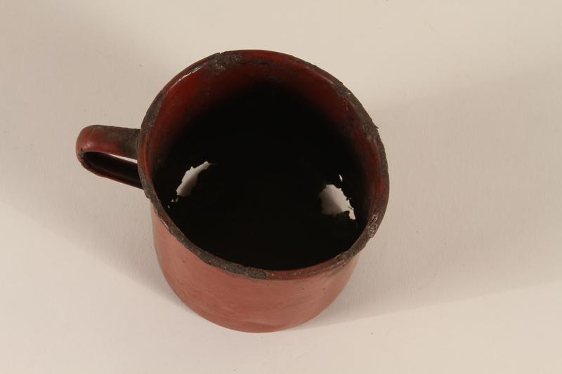 1990.37.8 top Cup