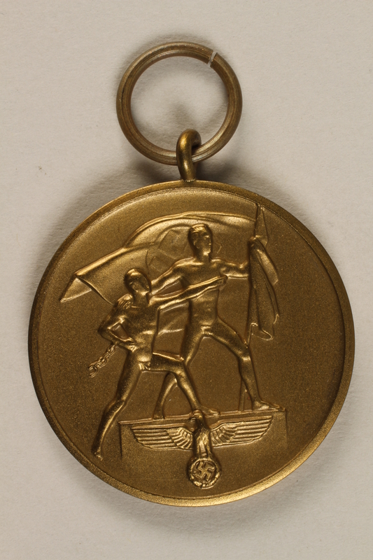 2009.361.1 front Medal commemorating the October 1, 1938, annexation of the Sudetenland by Nazi Germany