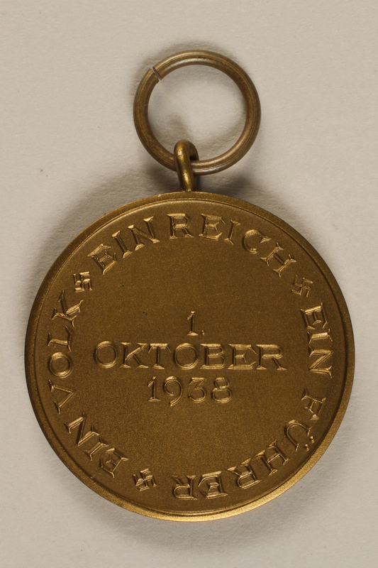 2009.361.1 back Medal commemorating the October 1, 1938, annexation of the Sudetenland by Nazi Germany