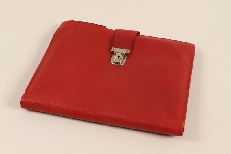2009.364.14 front Red leather portfolio used by a Czech Jewish refugee