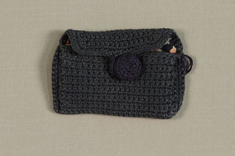 1990.57.2 front Blue crocheted change purse made in Gurs internment camp for a German Jewish prisoner