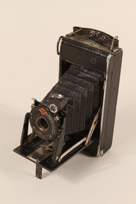 1990.79.3 open.JPG Agfa Billy I automatic 6 x 9 cm format camera