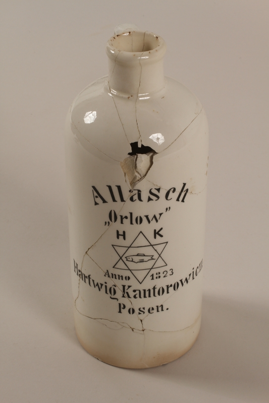 1990.79.4 front Hartwig Kantorowicz ceramic liqueur bottle