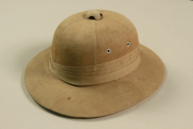 2009.376.28 front Adult's pith helmet acquired in India during the journey to the US by a Jewish family fleeing German occupied Poland