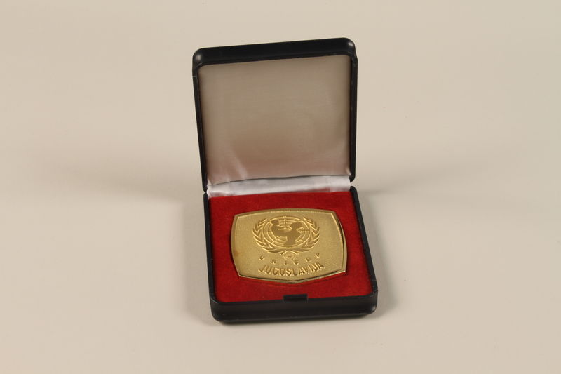 2011.108.6_a-b open UNICEF medallion with box awarded to a Macedonian Jewish partisan woman