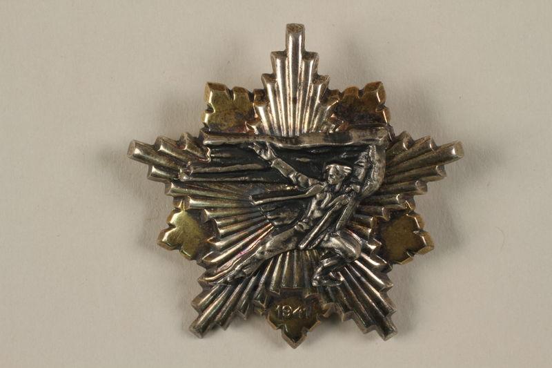 2011.108.9 front Partizanska spomenica medal awarded to a Macedonian Jewish partisan woman