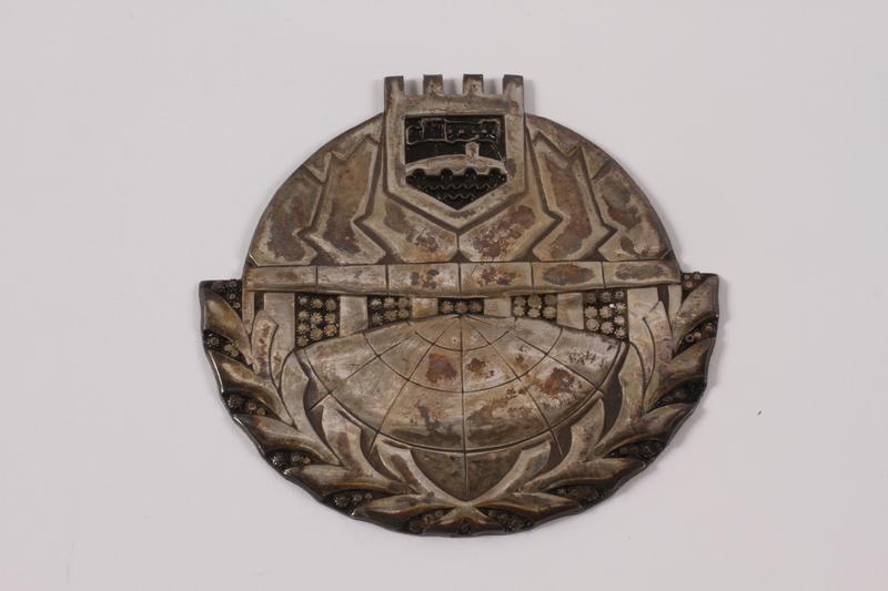 2011.108.23 a front Medallion, box, pamphlet, and bar pin awarded to a Macedonian Jewish partisan woman