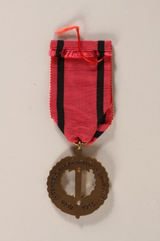 2007.228.2_a back Pametni Medaile Ceskoslovenska Armada V Zahranici (Czechoslovak Army Abroad) awarded to a Czech Jewish soldier